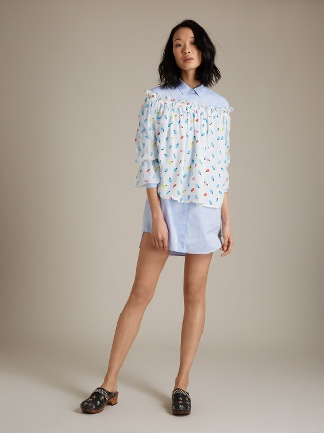 M.i.h Jeans's oversized shirt is the kind of effortlessly chic piece that every wardrobe needs. It's made from light-blue cotton and is tailored to a long length with a point collar and button-fastening cuffs.