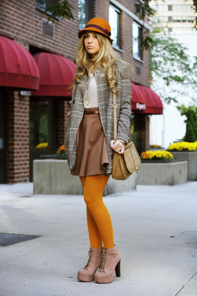 http://www.glamgerous.com/2011/11/can-i-have-some-mustard-please.html