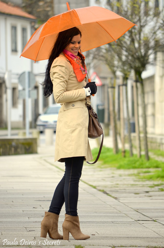 http://www.pauladeiros.com/2013/01/trench-and-orange.html#more
