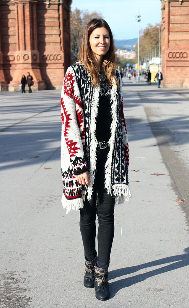 Estamos en invierno y qué mejor que protegernos del frío con estilo. La lana es uno de los tejidos invernales por excelencia, por ello hoy os propongo esta chaqueta de Zara.