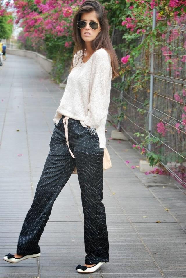 http://www.fashioncorneryc.com/2013/11/pijama-street.html