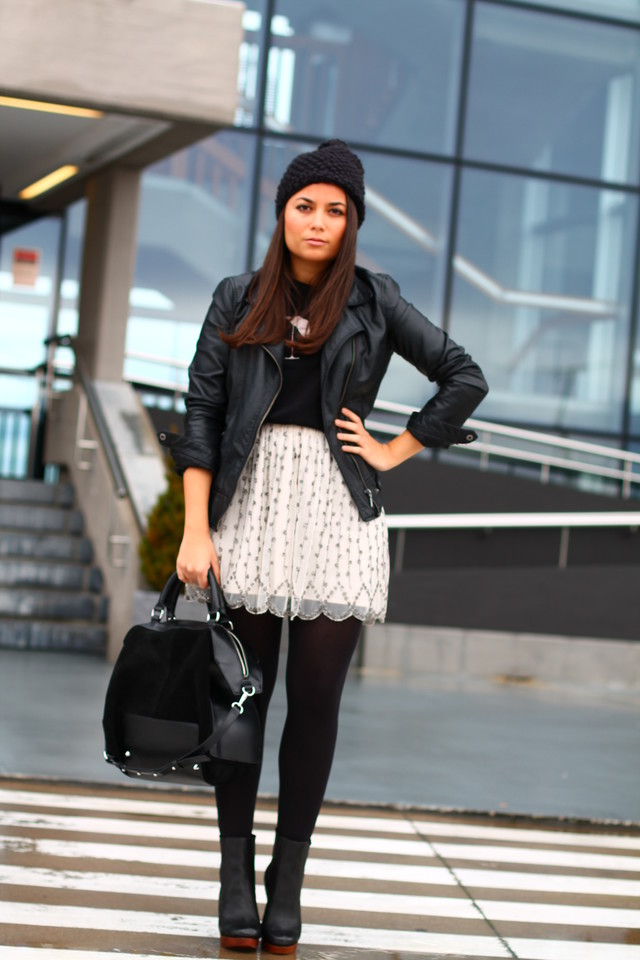 MORE HERE: http://mondayt0friday.blogspot.com.es/2012/12/just-perfect-boots.html