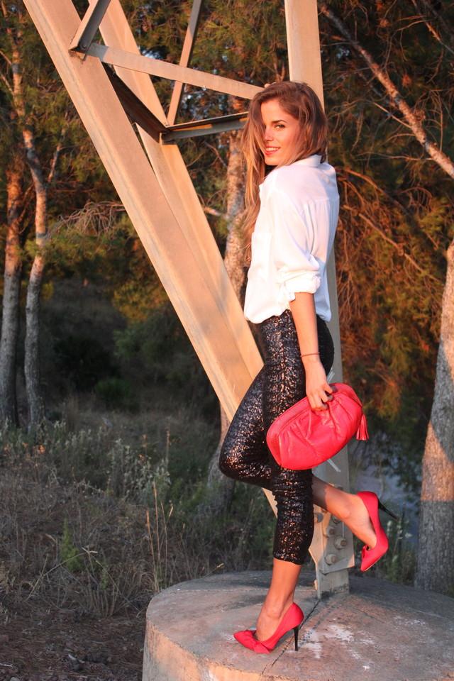 more pics on my blog!<br /><br />http://seamsforadesire.blogspot.com