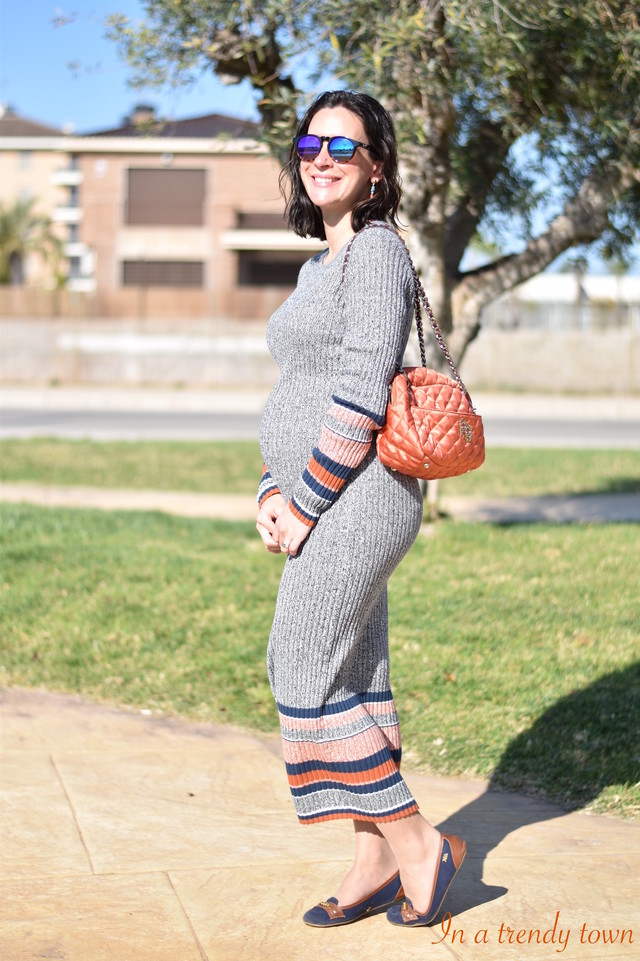 Long dress by H&M for a pregnant outfit