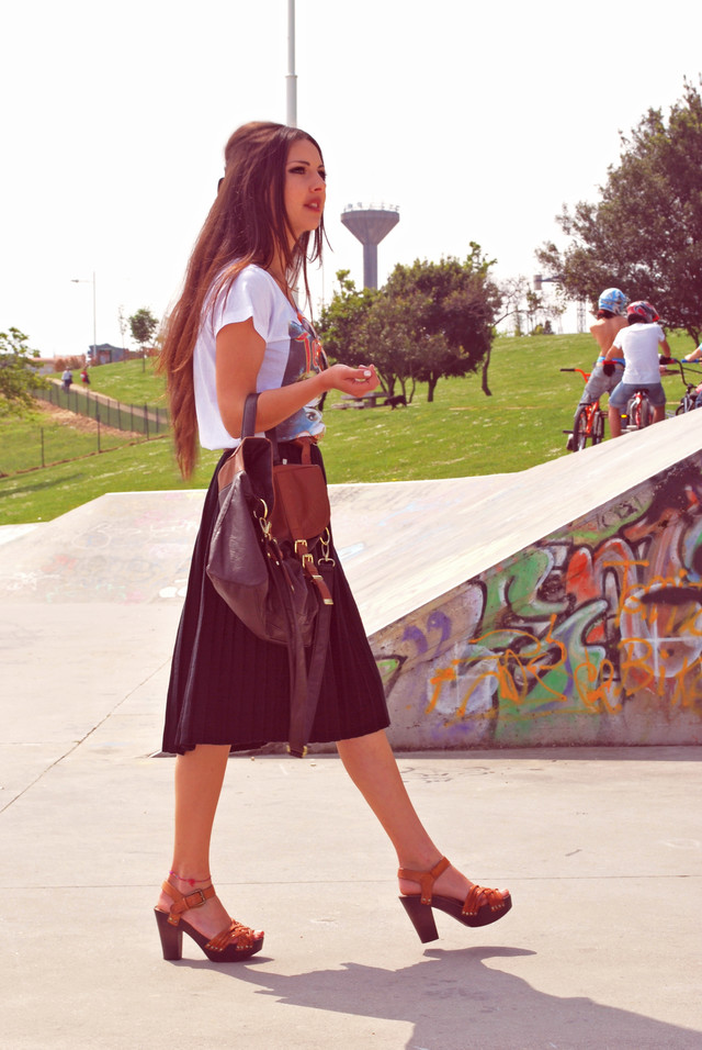 Para ver mas en  http://www.cocomodestyle.com/2011/05/skater-muse-for-day.html