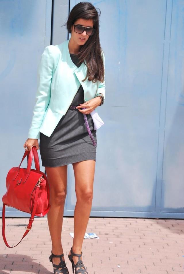 http://www.fashioncorneryc.com/2013/04/tutifruti.html