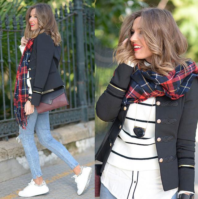 Un look con estilo navy ideal para un día de paseo por la ciudad ^_^