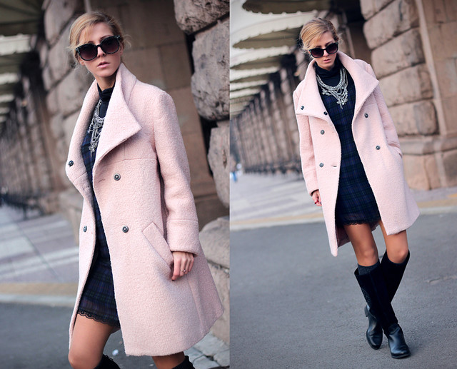 http://sirmamarkova.blogspot.com/2013/12/the-pink-coat.html