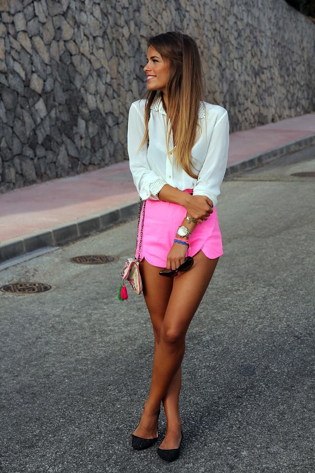 http://www.seamsforadesire.com/2012/09/fluo-pink.html